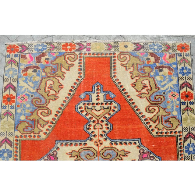 1970s Distressed Area Rug Hand Knotted Colorful Oushak Medallion Rug - 4'4'' X 7'3'' For Sale - Image 5 of 12
