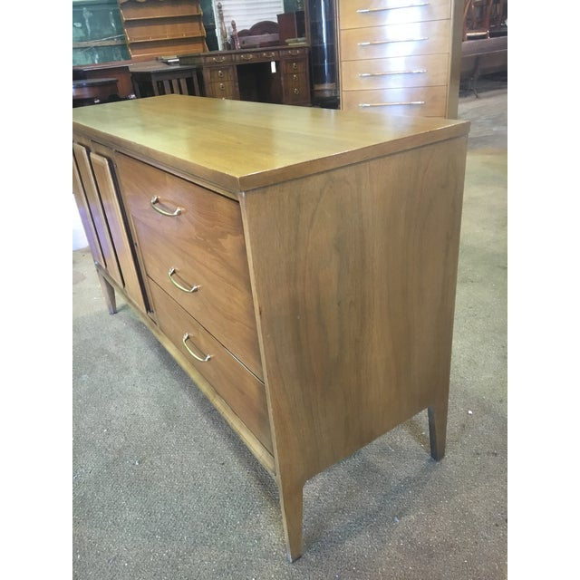 Mid Century Broyhill Premier Credenza Buffet For Sale - Image 6 of 10