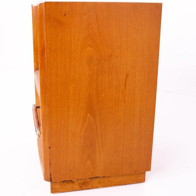 Brown T. H. Robsjohn-Gibbings for Widdicomb Mid Century Nightstands - Pair For Sale - Image 8 of 13