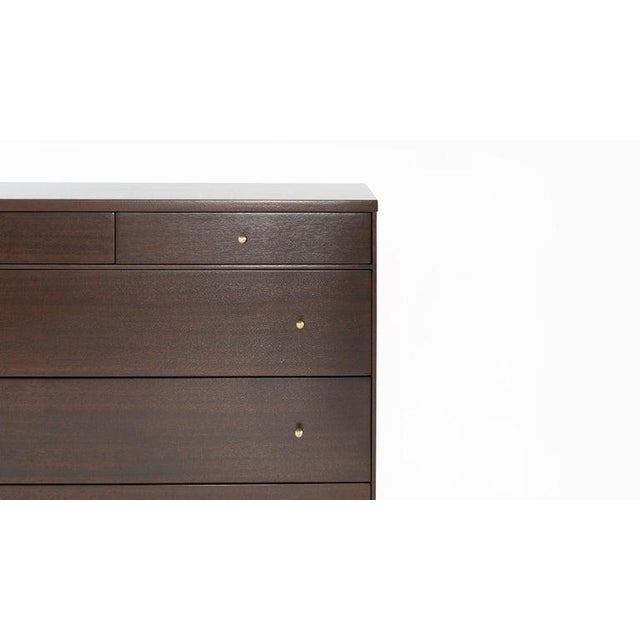 Brown Pair of Bedside Mahogany Chests by Paul McCobb, Calvin Group, 1950s For Sale - Image 8 of 13