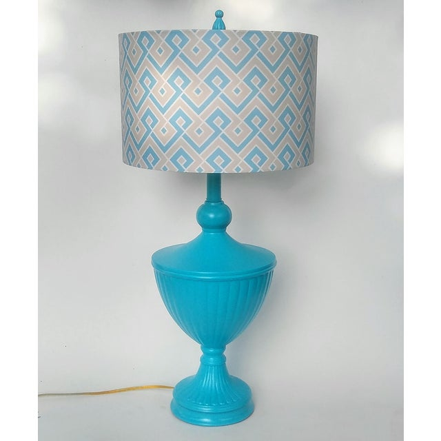 Super fabulous table lamp! Large, urn shape. This vintage brass lamp has been updated in a gorgeous turquoise blue. This...