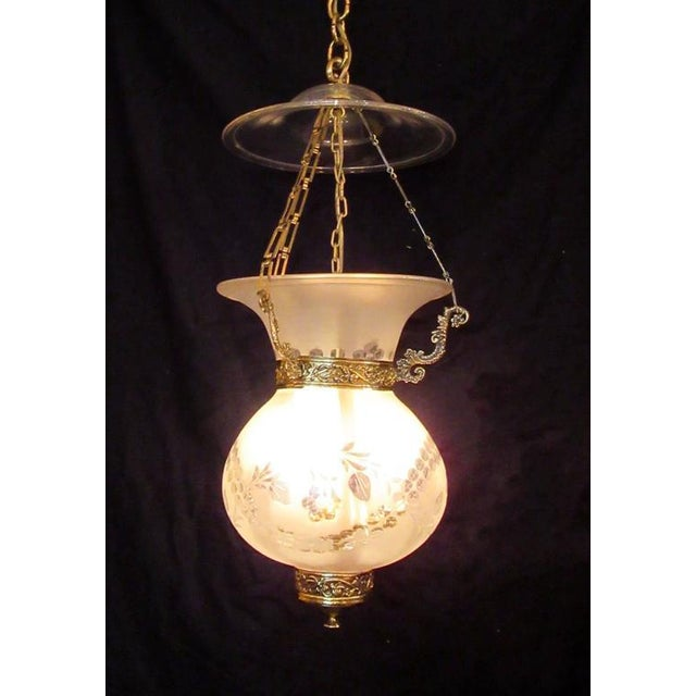 Early 19th Century English Regency Frosted and Etched Glass Bell Jar Lantern For Sale In Charleston - Image 6 of 7