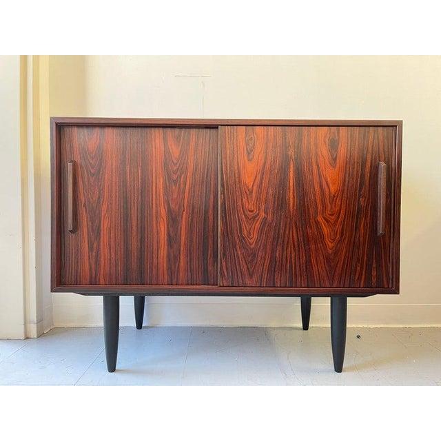 1960s Vintage Danish Rosewood Credenza For Sale - Image 4 of 4