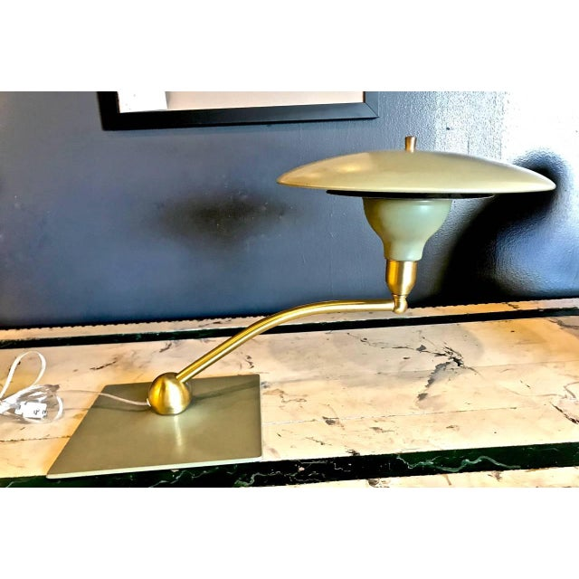 Flying Saucer Desk Lamp by Dazor, circa 1960 For Sale In Los Angeles - Image 6 of 6