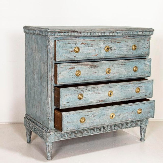 The blue painted finish is captivating in this oak chest of drawers. Please examine close up photos to appreciate the...