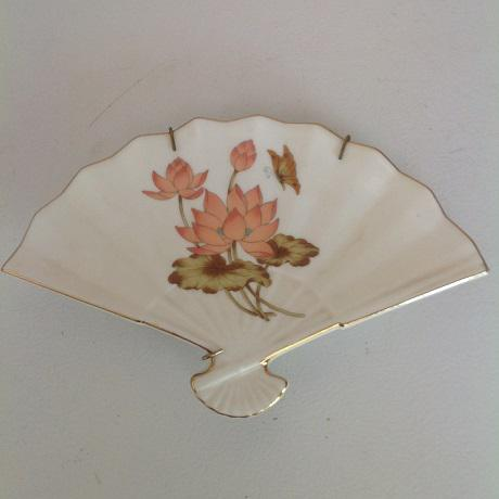 Asian Vintage Fine China Lotus Fan- Shaped Trinket Dish & Collectible Plate - A Pair For Sale - Image 3 of 6