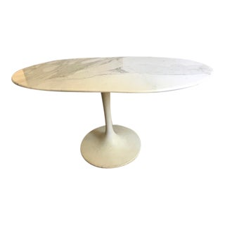 Mid-Century Modern Custom Oval Calcutta Oro Tulip Style Marble Table For Sale