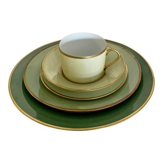 Poc a Poc São Paulo Gilt Limoges Green Watercolor Place Setting - 5 Pieces For Sale