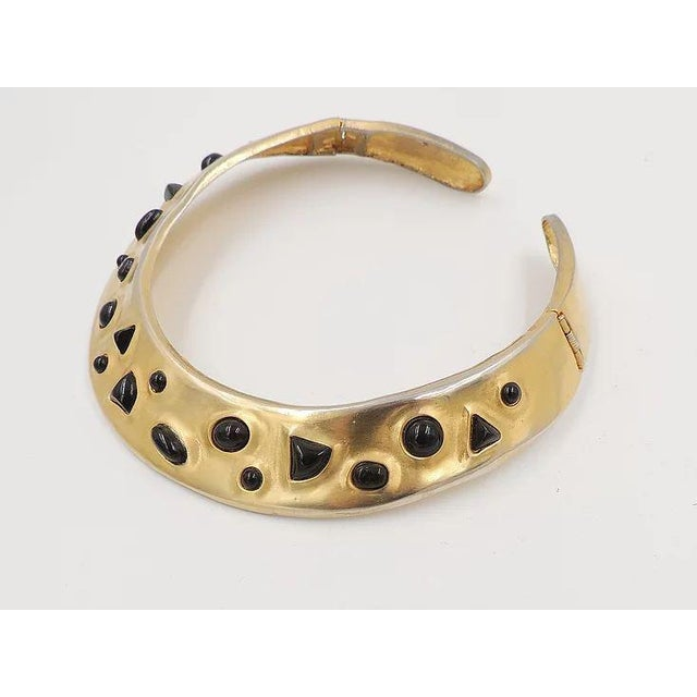 1980s Les Bernard Faux-Onyx Cabochon Collar Necklace For Sale - Image 4 of 9
