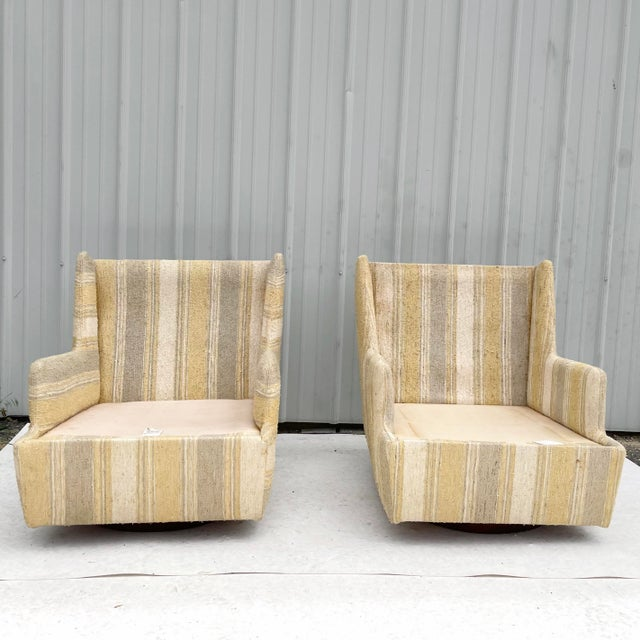 Craft Associates Pair Mid-Century Swivel Lounge Chairs From Craft Associates For Sale - Image 4 of 13
