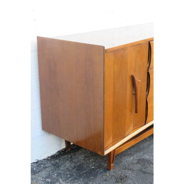 Brown Mid Century Modern Long Dresser Sideboard Tv Media Console 2714 For Sale - Image 8 of 11