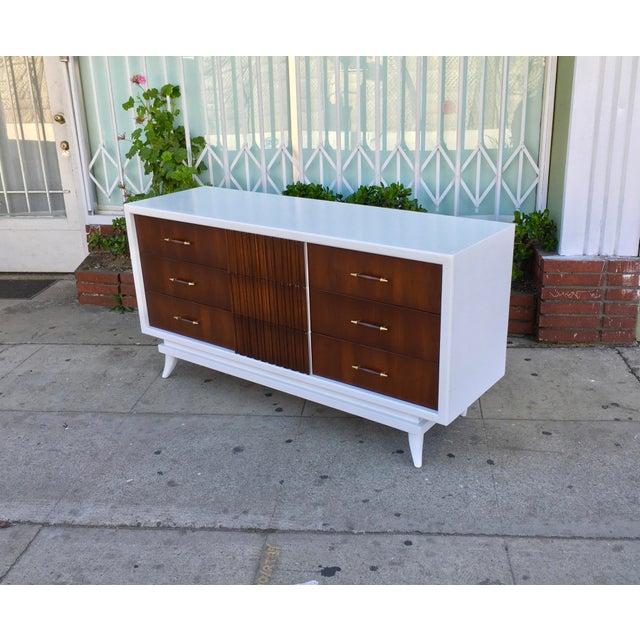 American of Martinsville Vintage Dresser - Image 2 of 5