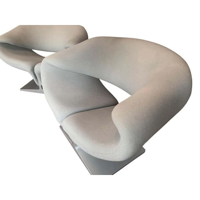 "Light Gray Pierre Paulin for Artifort ""Ribbon"" Lounge Chairs For Sale - Image 8 of 11"