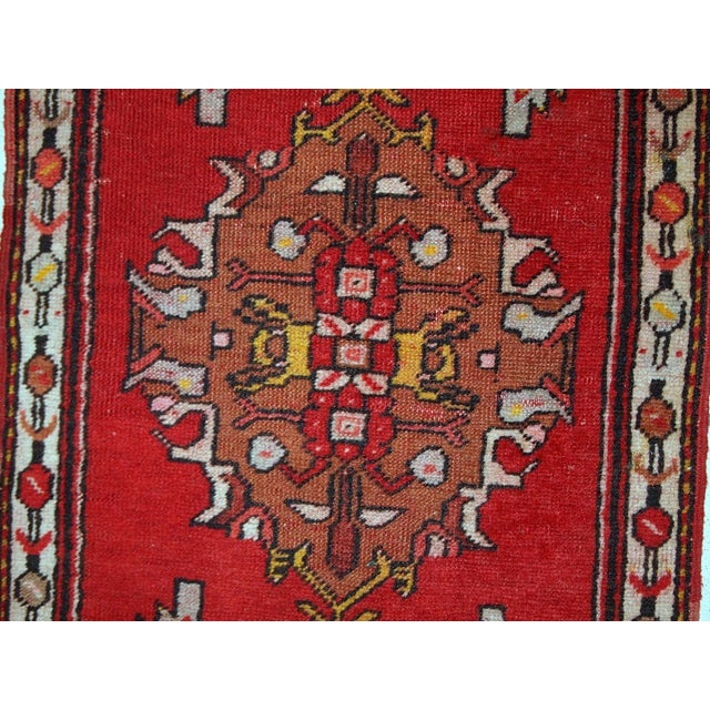 1960s, Handmade Vintage Turkish Yastik Rug 1.6' X 3.1' For Sale - Image 4 of 12