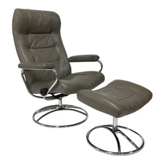 1970s Mid-Century Modern Ekornes Lounge Chair and Ottoman - 2 Pieces