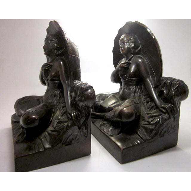 "Metal Early 20th Century Art Nouveau/Art Deco ""Umbrella Girl"" Cast Metal Bookends - a Pair For Sale - Image 7 of 10"