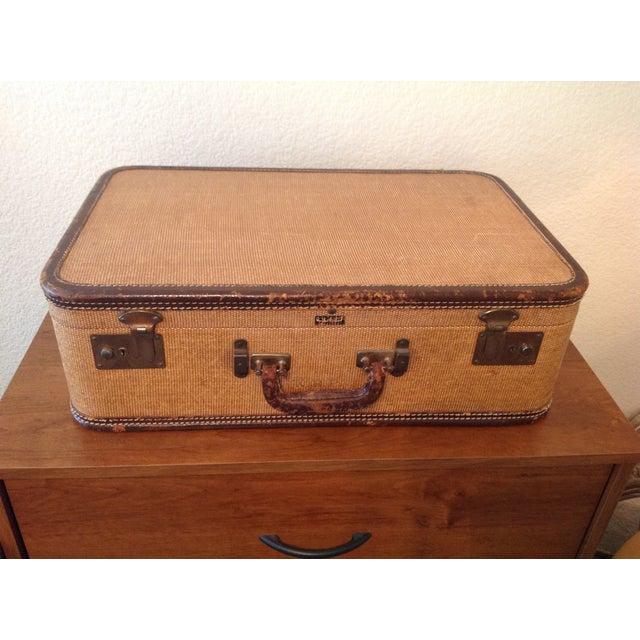 "Vintage ""Amelia Earhart"" Suit Case - Image 2 of 8"
