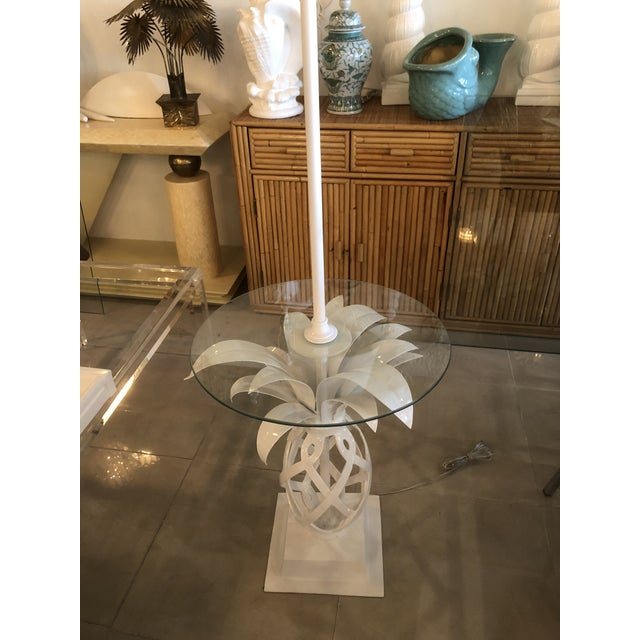 Metal Vintage Hollywood Regency White Lacquered Metal Pineapple Floor Lamp Table For Sale - Image 7 of 11