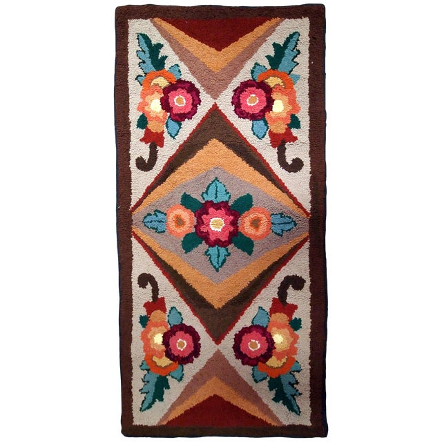 1930s Handmade Antique American Hooked Rug 2.6' X 4.6' For Sale
