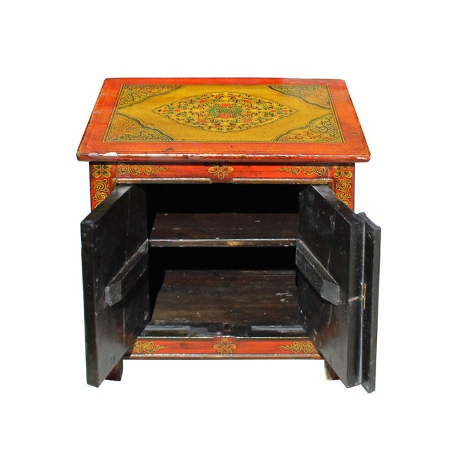 Chinese Multi-Color Tibetan Flower Motif Small Table Cabinet For Sale In San Francisco - Image 6 of 7