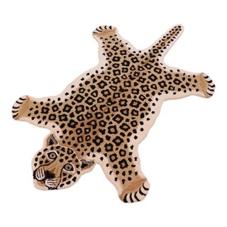 1990s Contemporary Decorate Wild Leopard Animal Design Area Rug For Sale