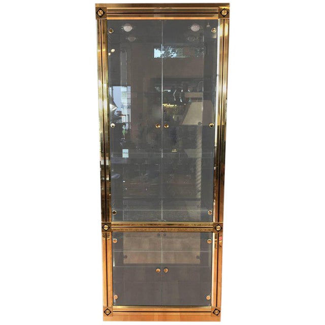 1970s Mid-Century Modern Mastercraft Towering Brass and Glass Vitrine For Sale