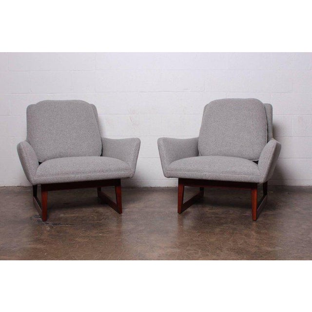 Pair of Lounge Chairs by Jens Risom For Sale - Image 12 of 13
