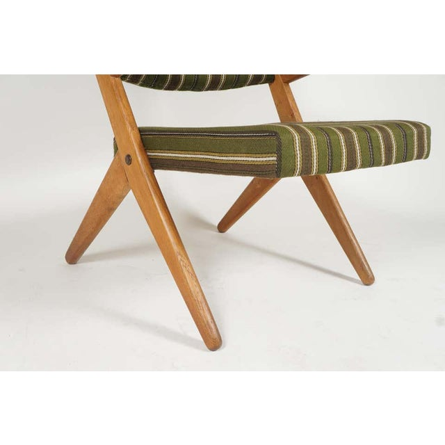 Pair Scandinavian Modern Scissor or Sawbuck Arm Chairs in Manner of Hans Wegner or Folke Ohlsson For Sale - Image 9 of 11