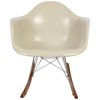 1960s Vintage Charles & Ray Eames for Herman Miller Cream Rocking Chair For Sale