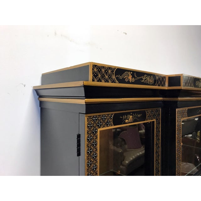 DREXEL HERITAGE Et Cetera Asian Chinoiserie Breakfront China Cabinet For Sale - Image 11 of 11