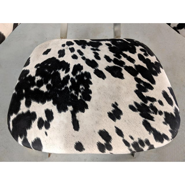 Metal Mid Century Modern Shaw Walker Faux Cowhide & Aluminum Chair For Sale - Image 7 of 11