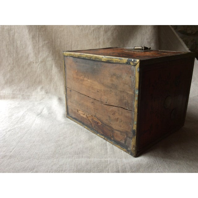 Asian 19th Century Chinese Tea Caddy For Sale - Image 3 of 12