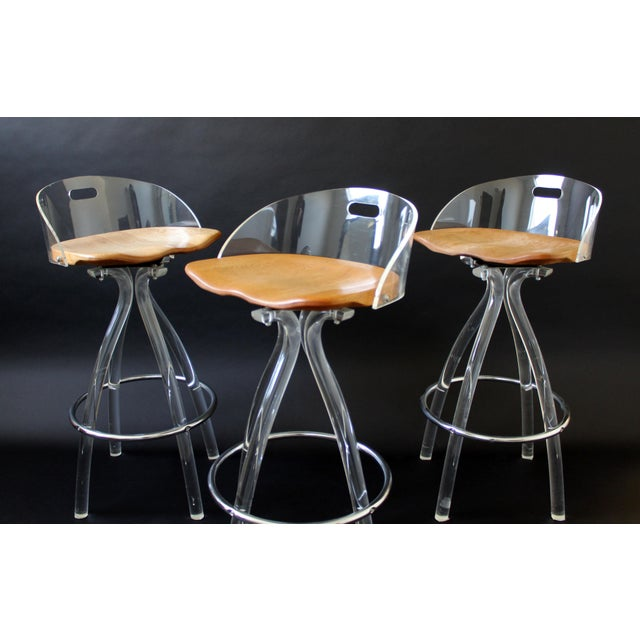 Hill Manufacturing Co. Mid Century Modern Hill Mfg Lucite Wood Saddle Seat Bar Stools- Set of 3 For Sale - Image 4 of 7