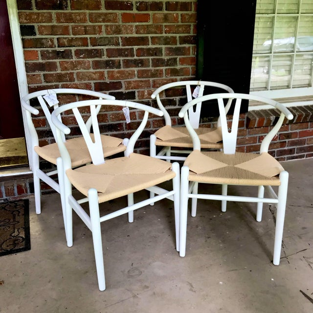 Mid-Century Modern 1970s Vintage White Wishbone Chairs - Set of 4 For Sale - Image 3 of 12