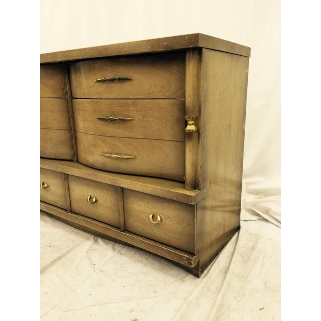 Bassett Furniture Mid-Century Dresser For Sale - Image 9 of 11