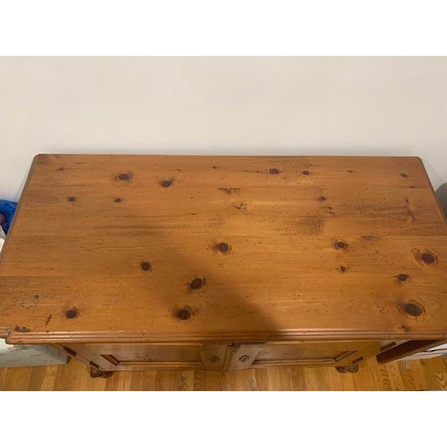 Stunning Vintage Farmhouse Country Pine Brass Handled Dining Server For Sale - Image 4 of 6