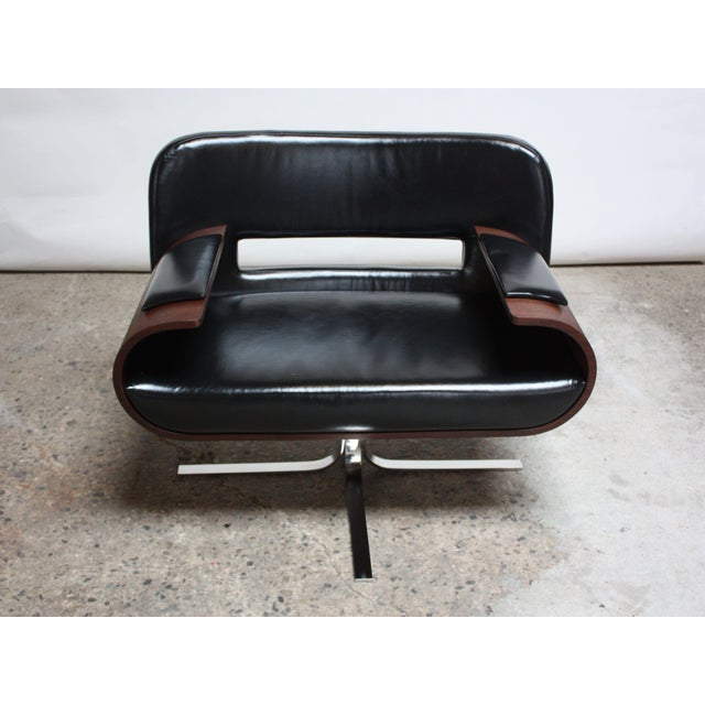 1960s Brazilian Modern Jacaranda and Leather Swiveling Lounge Chair by Jorge Zalszupin For Sale - Image 5 of 13