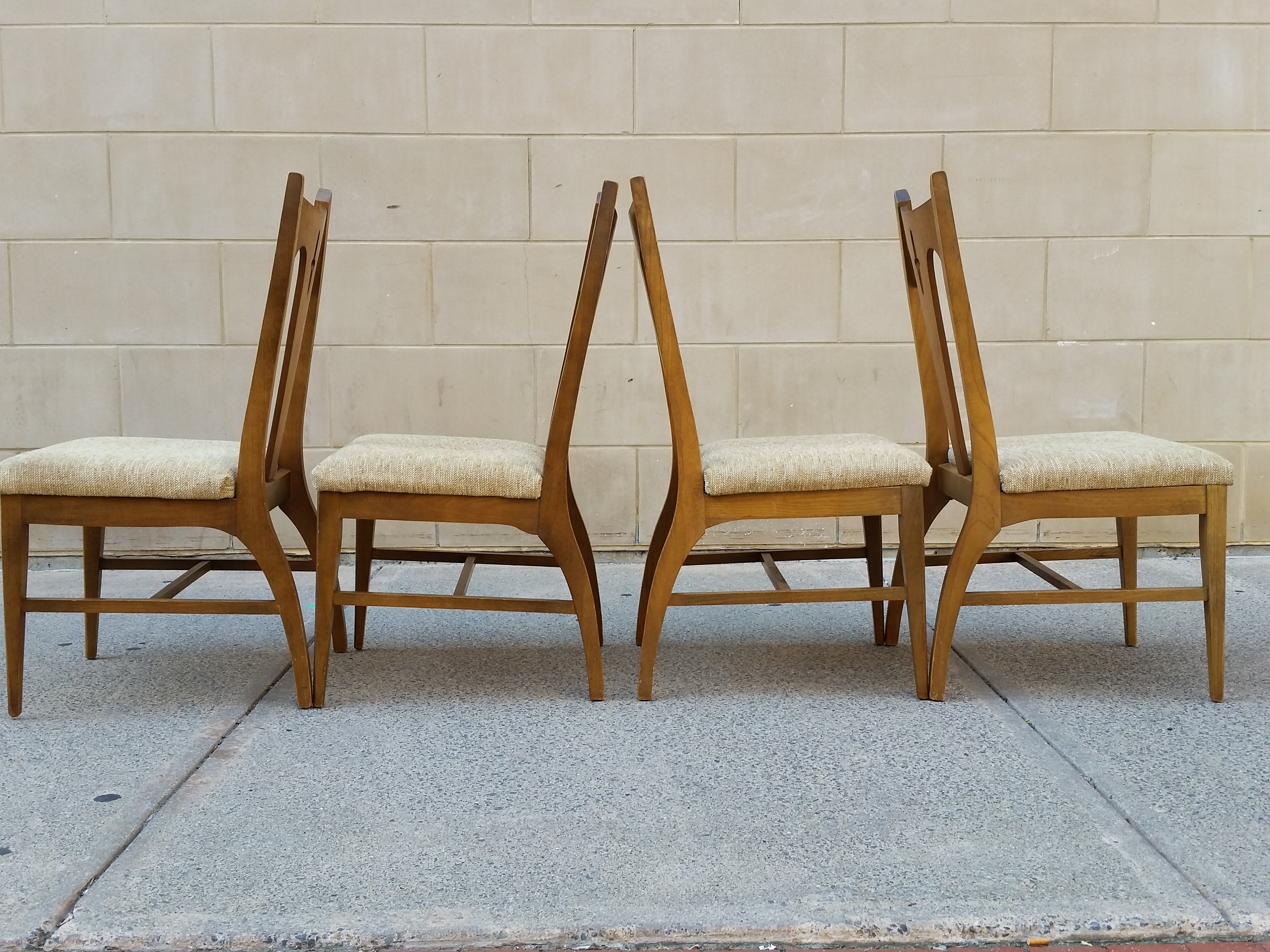 Mid Century Bassett Dining Chairs   Set Of 4   Image 3 Of 7