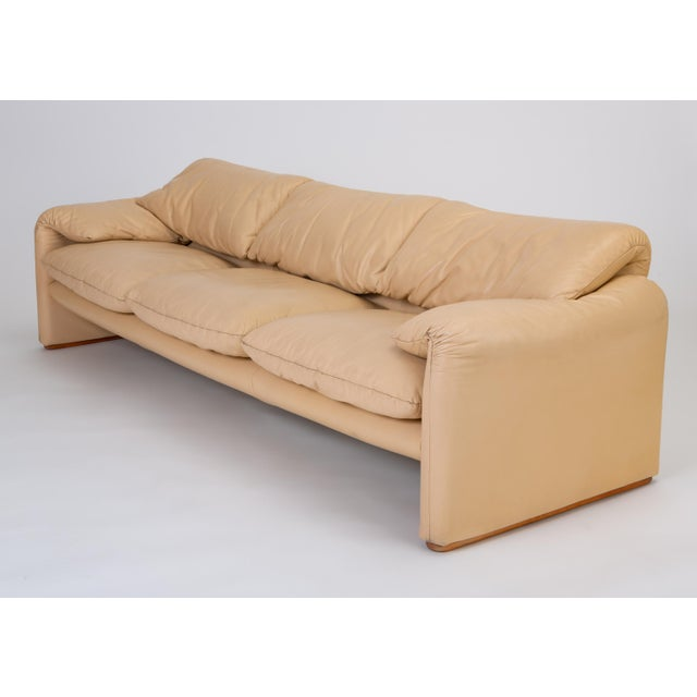 """1970s Leather """"Maralunga"""" Sofa by Vico Magistretti for Cassina For Sale - Image 5 of 12"""