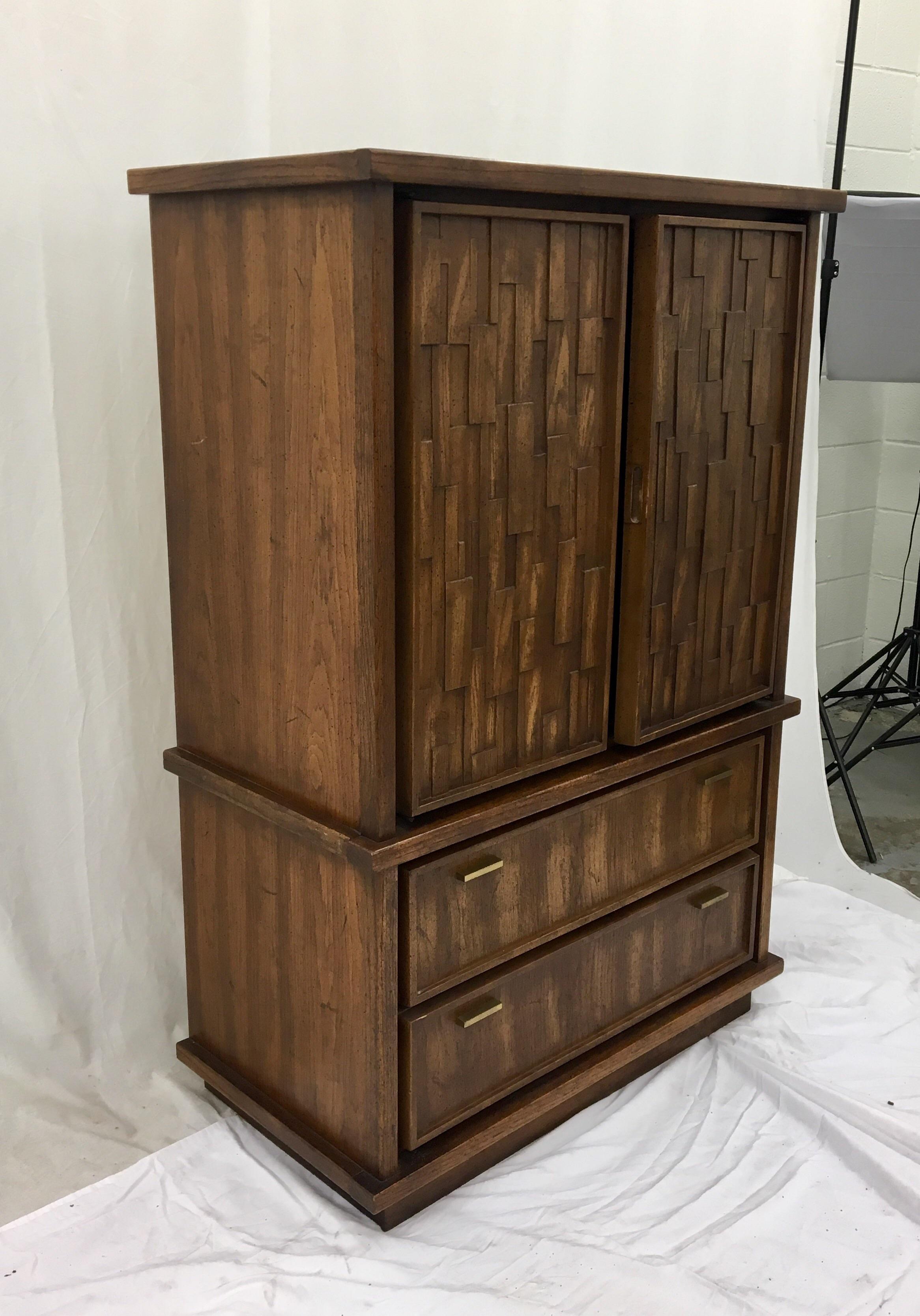 Etonnant Vintage Mid Century Brutalist Armoire Dresser   Image 2 Of 8