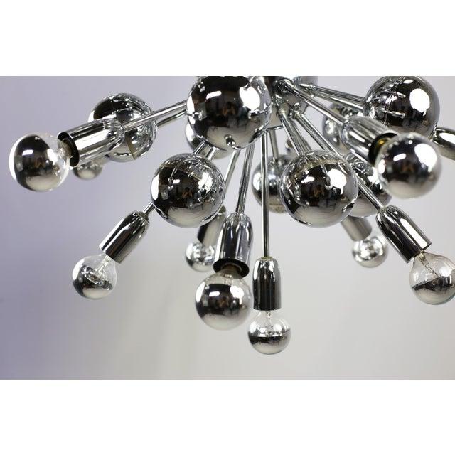 Silver Mid-Century Lightolier 20 Light Sputnik Chandelier For Sale - Image 8 of 9