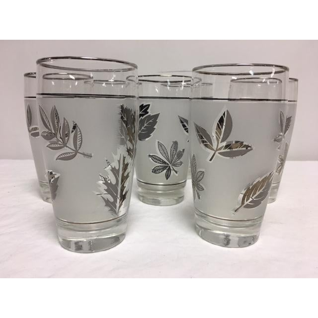 Libbey Glass Co. Mid-Century Libbey Silver Leaf & Wheat Glasses - Set of 7 For Sale - Image 4 of 7