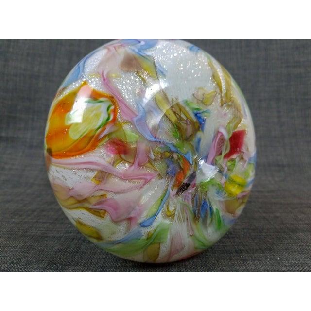 "Large 1950's Avem Dino Martens Zanfirico ""Tutti Fruiti"" Cased Glass Vase For Sale - Image 4 of 5"