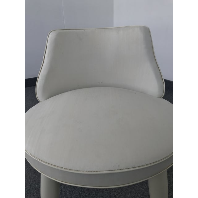 White Vintage Mid Century Modern Tapered Legs Vanity Chair For Sale - Image 8 of 13