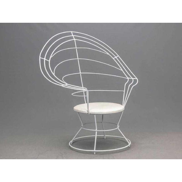 "Late 20th Century Late 20th Century White Wire ""Peacock"" Chair For Sale - Image 5 of 5"