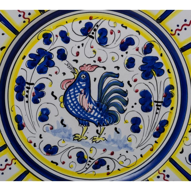 1990s Vintage Hand-Painted Deruta Maiolica Rooster Plates - a Pair For Sale - Image 5 of 9