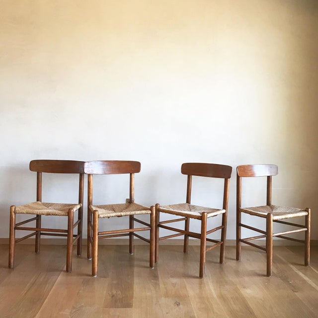 Mid Century Modern Early Edition Danish Børge Mogensen for Fredericia J39 Rush Rattan Chairs - Set of 4 For Sale - Image 9 of 12