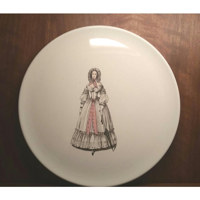 1930s Vintage Eastern China New York City Fashionable Woman Plate For Sale In New York - Image 6 of 6