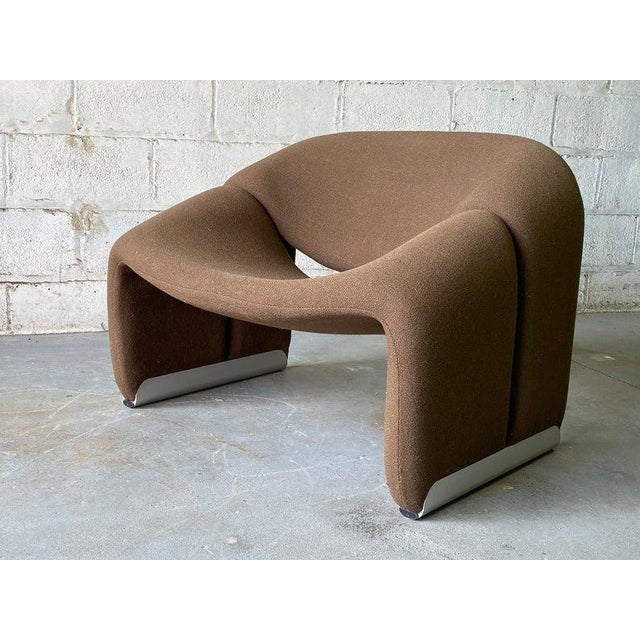 "Brown Mid Century Modern ""Groovy"" Armchair by Pierre Paulin for Artifort, Holland For Sale - Image 8 of 11"