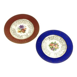 Red and Blue Border with Floral and 22k Gold Plates - a Pair For Sale